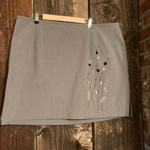 GRAY FLORAL EMBROIDERED A-LINE STYLE SKIRT Stretch